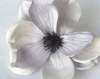 Silver/Grey Magnolia