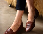 vintage Etienne Aigner size 6M leather loafers