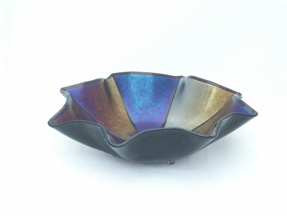 Large Fluted Iridescent Bowl