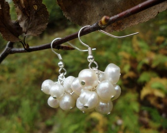 Jade: fresh water pearl earrings