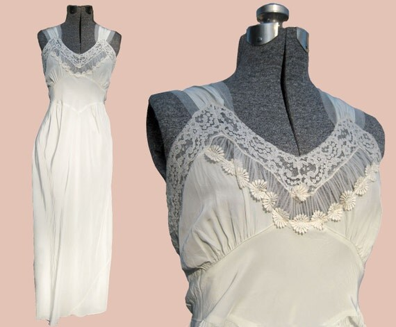 Dreamy Delicate DuBenay Rayon Nightgown- Vintage 40s Glam Goddess Lacy Romantic Graceful Bridal Wedding Nightwear Night Gown Full Dress Slip