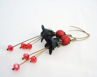 Lucite Flower Earrings, Black and Red Flower Earrings, Antique Brass Vintage Style, Romantic Victorian Earrings, Free Shipping