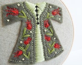Embroidery Hoop Art - Green and Red Tulip Caftan Wall Hanging - Wall Art - 4 inch