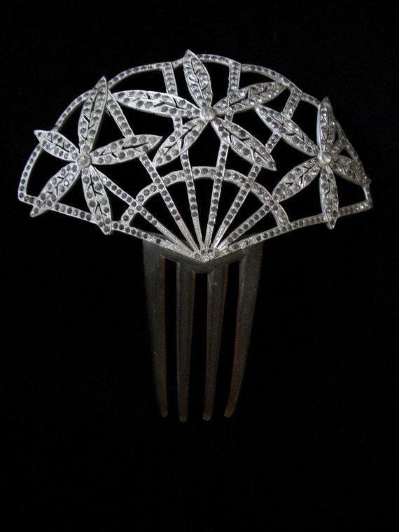 Fan Design  Rhinestone Mantilla Comb