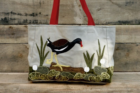 Moorhen in the Lily Pond Tote Bag