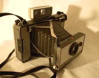 Polaroid 103 land camera