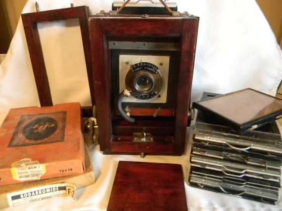 4X5 Gundlach Rochester Korona wooden view camera with 6 plates and film