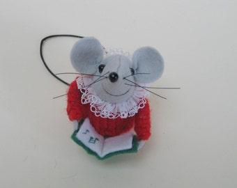 Holly, Choir Mouse (felt)