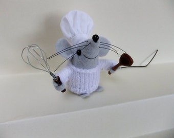 Raoul, finest pastry chef (felt mouse)