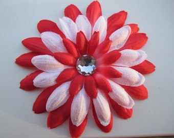 Red and white flower hair clip
