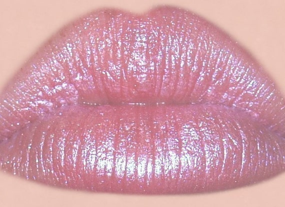 SWEET KISS Pink Lipstick With Blue Undertones