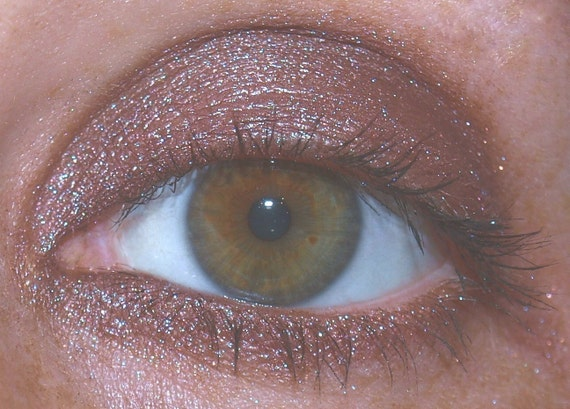 Demure Eyeshadow - Shimmery Pink and Brown Color With A Hint Of Purple - VEGAN Friendly - 5g Jar