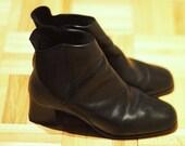 Vintage 1990s Black Faux Leather Chelsea Boots 7
