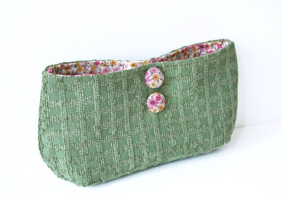 fall clutch in green upholstery fabric / floral / pink