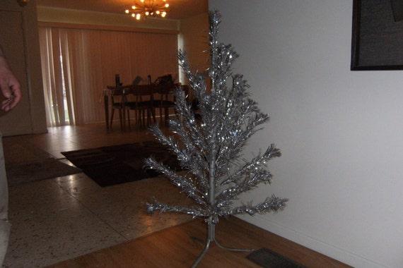 Vintage Aluminum Silver  Christmas Tree Atomic Era Mid Century Modern 50s 60s