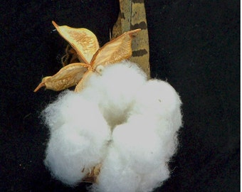 Cotton boll and burr boutonniere