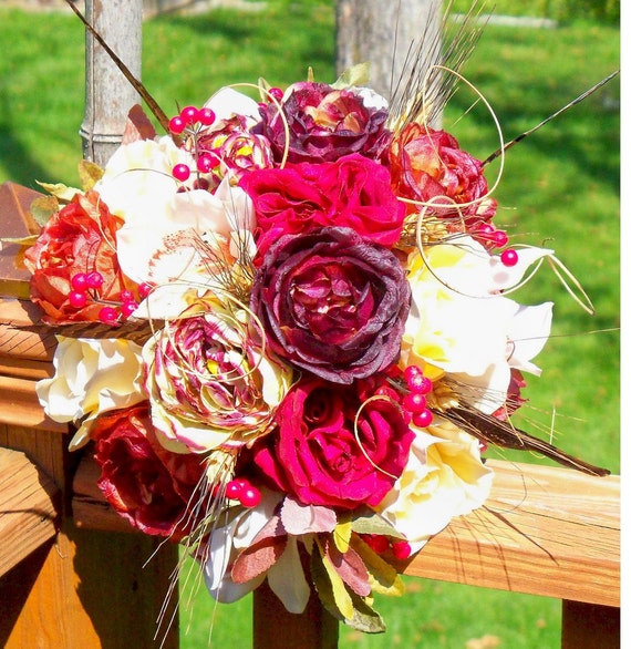Bridal Roses and Berries Bouquet
