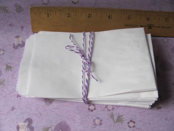 "25 White Paper Bags 3 1/4 x 5 1/4"" - Tiny / Cute / Mini / Small size - Merchandise / Treat / Favors 3.25 x 5.25"""