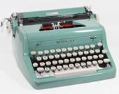 Vintage Royal Quiet DeLuxe Manual Typewriter: Sea Green