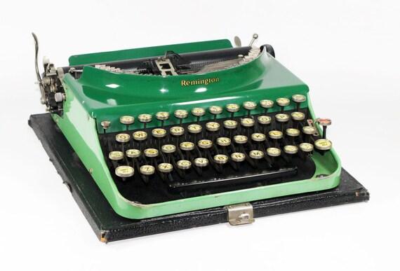 1930's Two-Toned Remington 3 Manual Typewriter