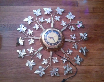 Vintage United Wall Clock Leaves Gold Tone Brass Roman Numerals Mid Century 1960s Electric