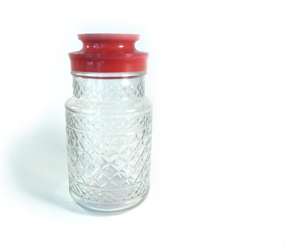 Anchor hocking juice jar with red lid