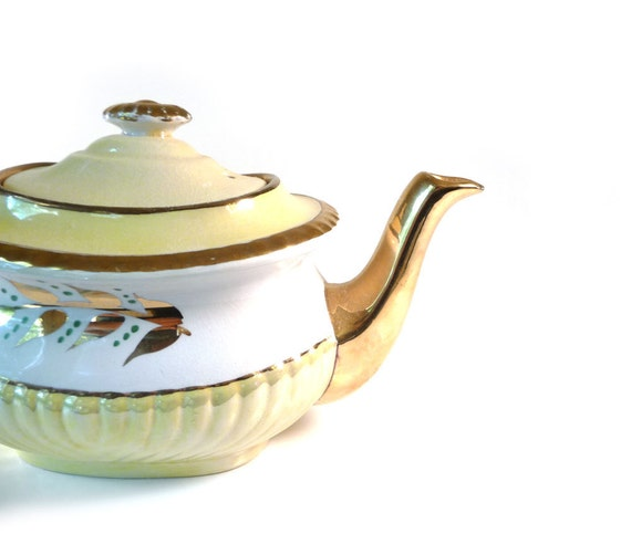 Vintage teapot yellow and white Gibsons English tea pot pale pastel yellow