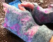 Wet Felted Gray and Pink Wool Fingerless Gloves Size M-L
