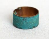 Blue Green Patina Verdigris Flower Pattern Wide Brass Band Ring