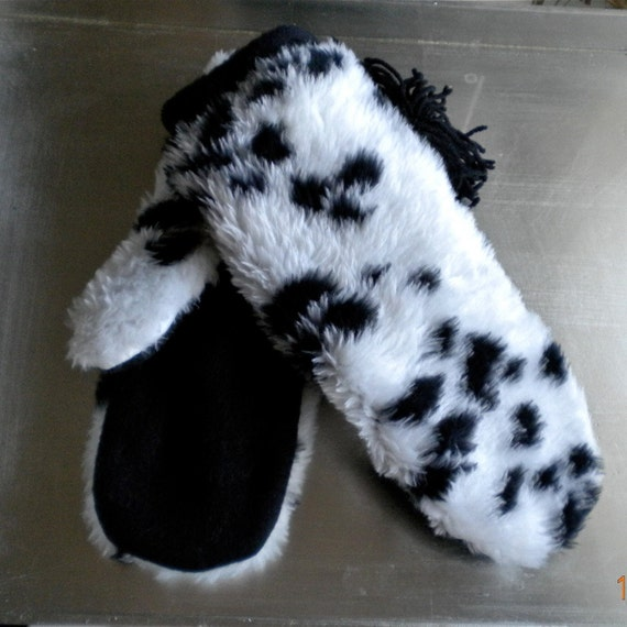 Hand Made Mittens, Fun Dalmaton Fur, New,Thick Fleece Lined, Hand details, Soft, and Warm, Black and White, Animal Print.