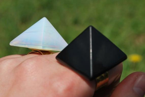 Obsidian Pyramid Power
