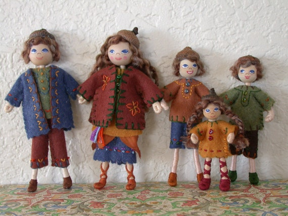 Dollhouse Family....Dollhouse Dolls....Wee Folk....Waldorf Doll....1:12 Scale....Folk Art Doll....Felt Dolls