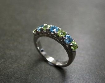 Blue Topaz and Peridot Wedding Ring, Peridot Engagement Ring, Peridot Ring, Blue Topaz Ring, Peridot Jewelry, Wedding Band, Topaz Ring