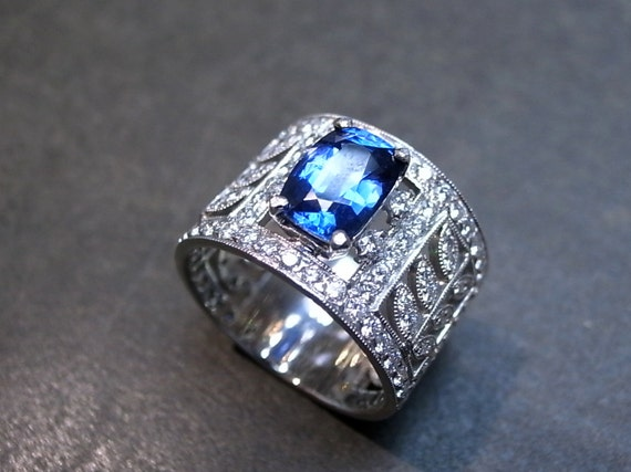 Diamond Ring with Blue Sapphire Ring in 18K White Gold