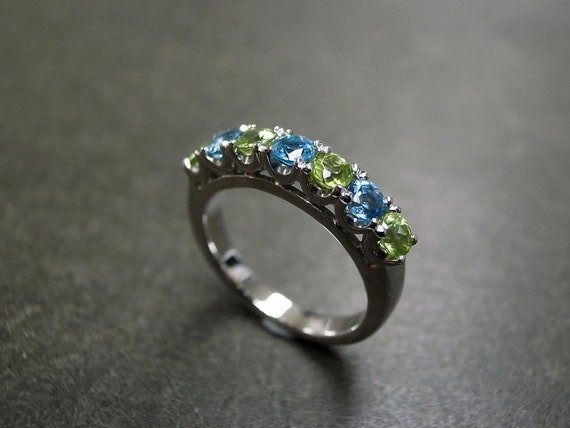 Blue Topaz and Peridot Wedding Ring, Peridot Engagement Ring, Peridot Ring, Blue Topaz Ring, Peridot Jewelry, Wedding Band, Topaz Ring