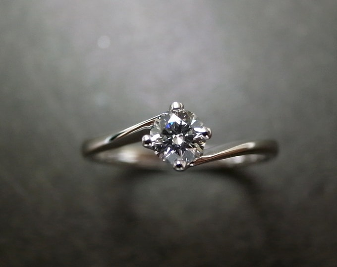 Her Solitaire Ring, Colorless Solitaire, Cute Engagement Ring, Classic Ring One Diamond, Colorless Engagement Solitaire Ring, Thin Ring