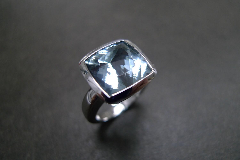 aquamarine engagement ring in 14k white gold