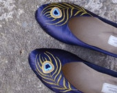 Handmade flats with a peacock embroidery (made to your measurements)