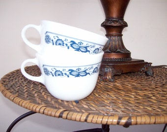 Vintage set of 2 Pyrex Corning Ware Old Town Blue Coffee Tea Cups