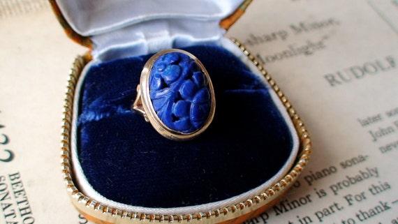 ON RESERVE Vintage carved flowers 14 k gold lapis ring
