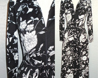 Vintage 70s dress black & white RETRO FLORAL boho maxi - S/M
