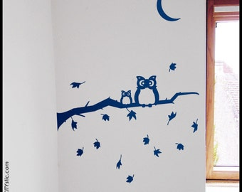 TREE WALL DECAL : Two Owls on an Autumn Branch with falling leaves. Children decal, nursery decor