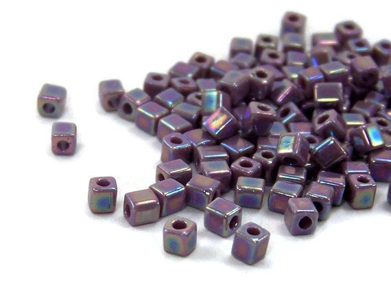 square glass beads 4mm cube violet purple, Miyuki cubes, 200 beads  (437SB)