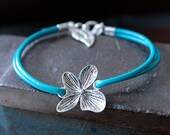 Teal Spring Flower Natural Leather Bracelet