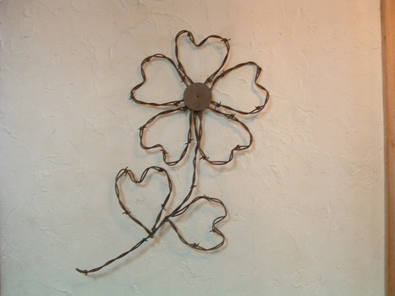 Rusty Barbed Wire 5 Hearts Cinquefoil Prairie Flower Wall Decor