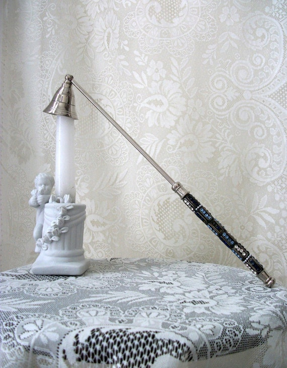 Gift Vintage Silverplaited Candle Snuffer