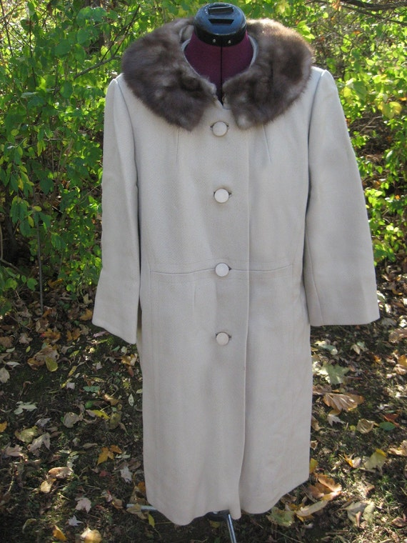 Vintage 1960s Sycamore Beige Coat with Mink Collar from Hengerers Buffalo, NY.  Union Made