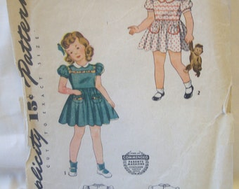 Adorable vintage 40's Simplicity Pattern 4175 for toddler girls dress and panties Size 4 Breast 23 FF