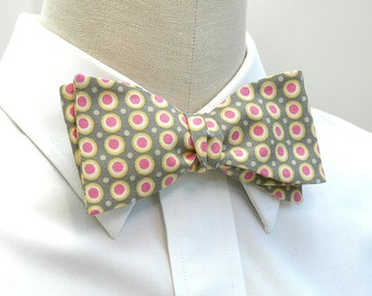 Men's Bow Tie in grey with yellow and pink dots (self-tie)