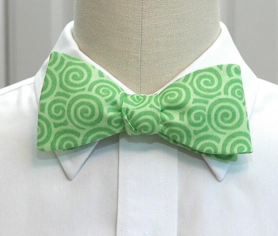 Men's Bow Tie in apple green swirls